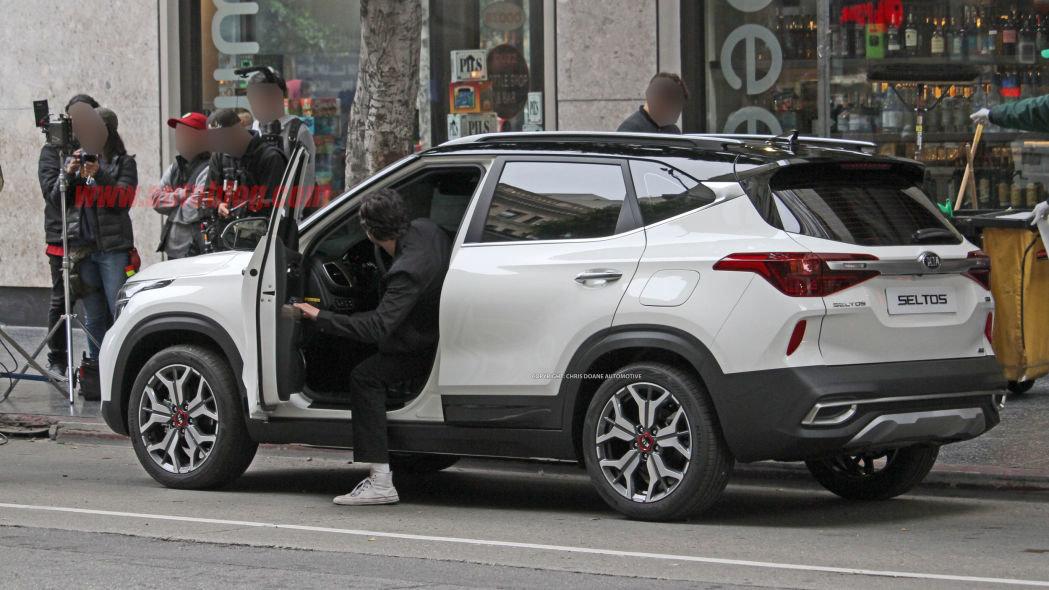 Первые ФОТО кроссовера Kia на базе Hyundai Creta. Он будет продаваться в России