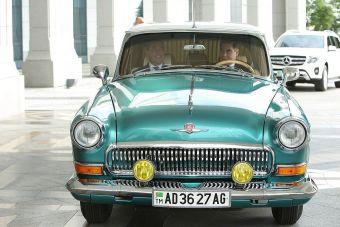 Двухцветная «Волга» находится в отличном состоянии