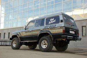 Народное ретро. Toyota Land Cruiser HJ61 1989 года. Победить на чужой территории