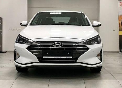 Hyundai Elantra 2019 - отзыв владельца