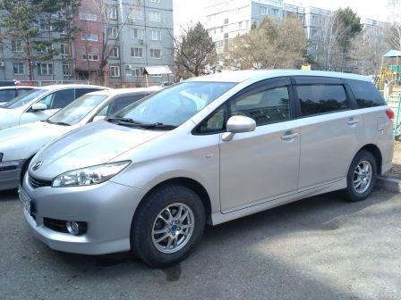 Toyota Wish 2010 - отзыв владельца
