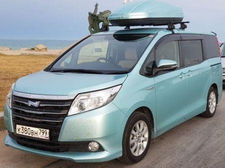 Toyota Noah 2014 - отзыв владельца
