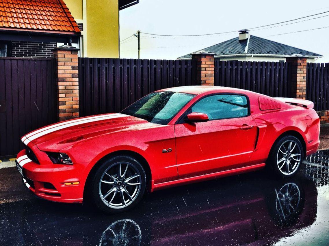 Mustang GT Premium 2014 - ракета 5.0л - 420 коней