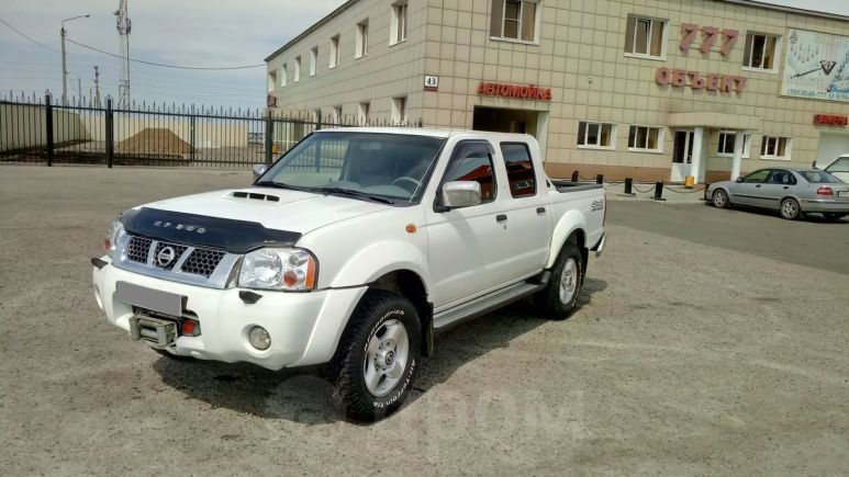 Nissan NP300, 2012 год, 878 000 руб.