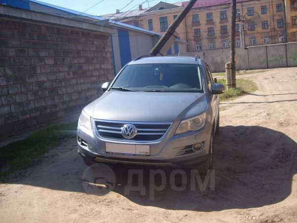 Volkswagen Tiguan, 2009 год, 635 000 руб.
