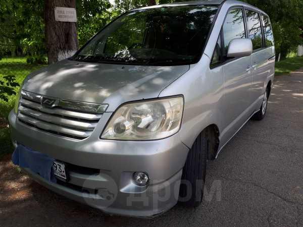 Toyota Noah, 2002 год, 470 000 руб.