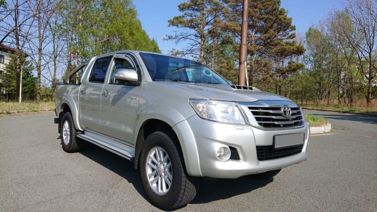 Toyota Hilux Pick Up, 2011 год, 1 350 000 руб.
