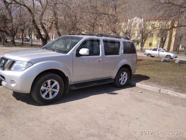 Nissan Pathfinder, 2011 год, 1 240 000 руб.