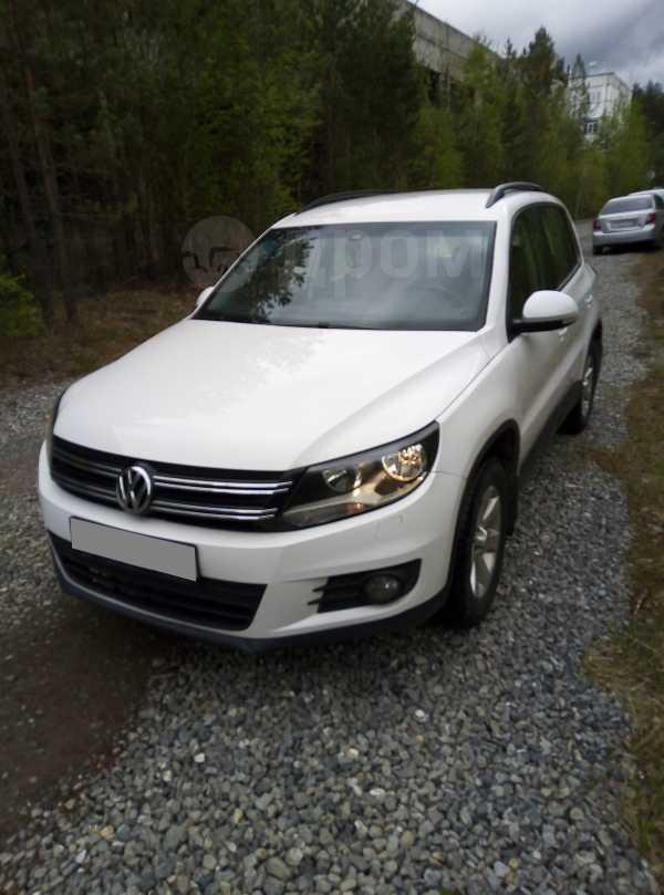Volkswagen Tiguan, 2011 год, 477 000 руб.