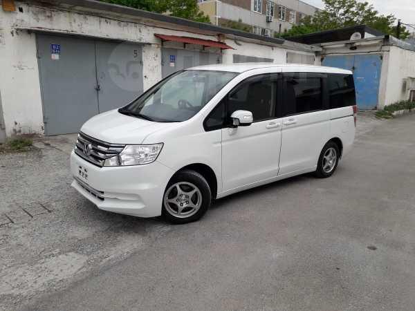 Honda Stepwgn, 2014 год, 1 079 000 руб.