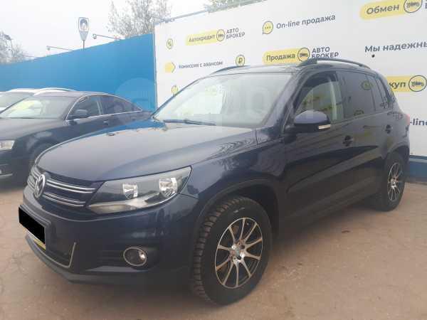 Volkswagen Tiguan, 2013 год, 739 000 руб.