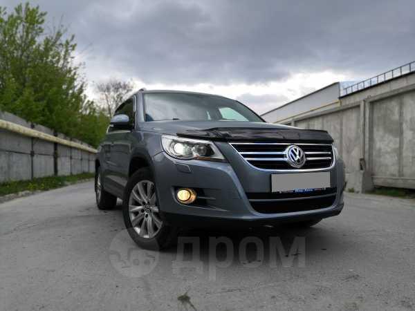 Volkswagen Tiguan, 2009 год, 785 000 руб.