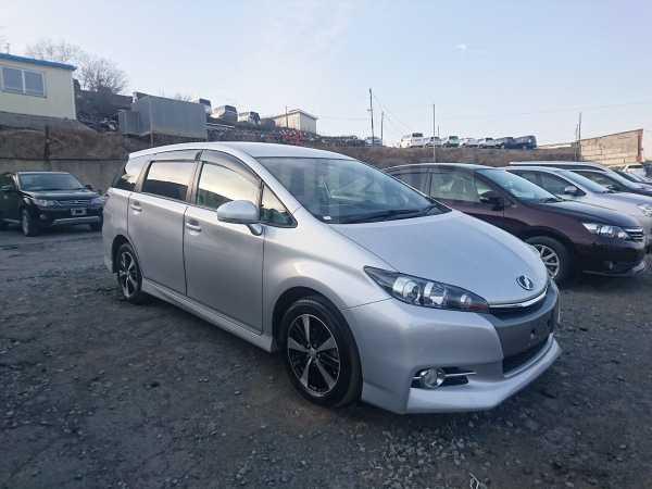 Toyota Wish, 2012 год, 885 000 руб.
