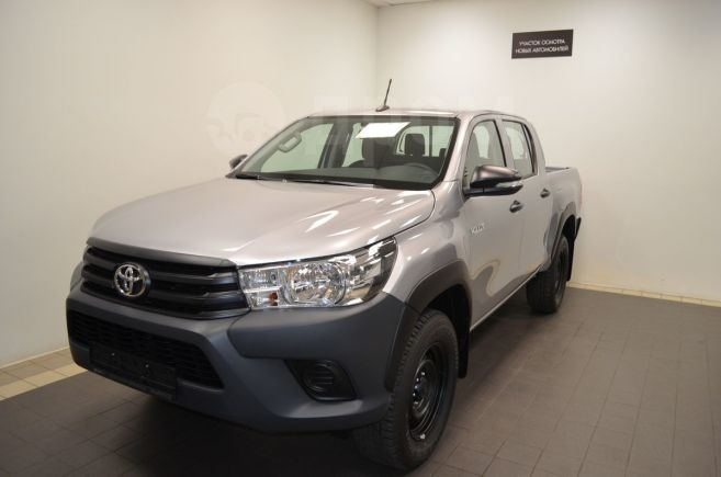Toyota Hilux Pick Up, 2018 год, 1 875 000 руб.