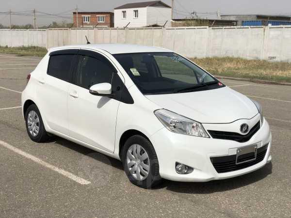 Toyota Vitz, 2013 год, 545 000 руб.