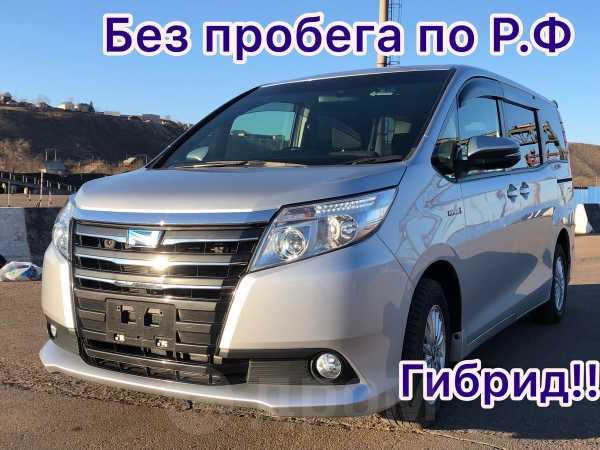 Toyota Noah, 2014 год, 1 335 000 руб.