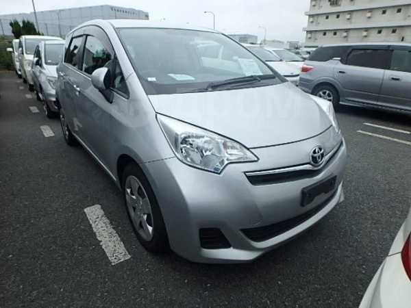 Toyota Ractis, 2011 год, 560 000 руб.