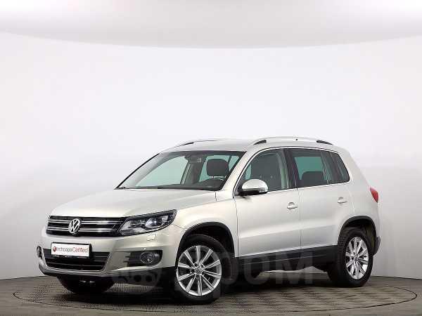 Volkswagen Tiguan, 2012 год, 747 000 руб.