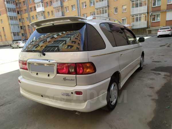 Toyota Ipsum, 2000 год, 348 000 руб.