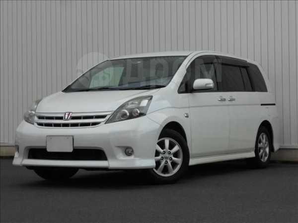 Toyota Isis, 2011 год, 790 000 руб.