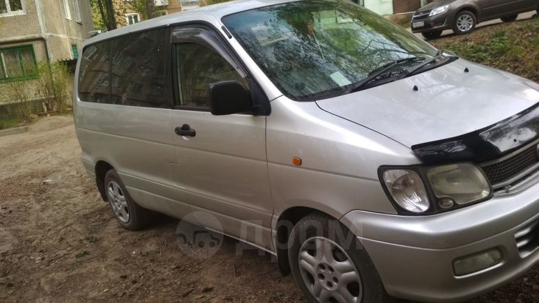 Toyota Town Ace, 2001 год, 335 000 руб.