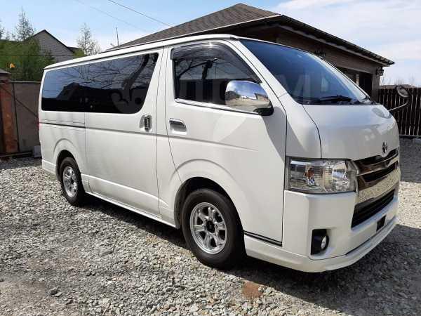 Toyota Hiace, 2015 год, 2 080 000 руб.