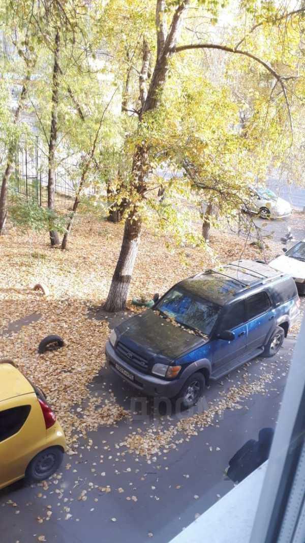 Toyota Sequoia, 2001 год, 800 000 руб.
