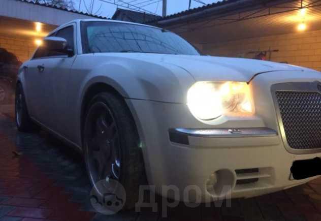 Chrysler 300C, 2004 год, 450 000 руб.