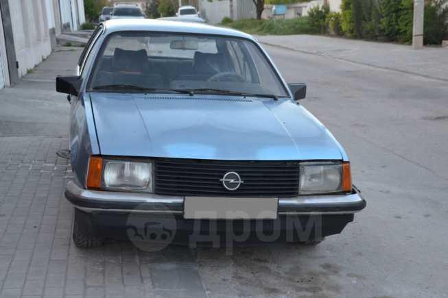 Opel Rekord, 1982 год, 48 000 руб.
