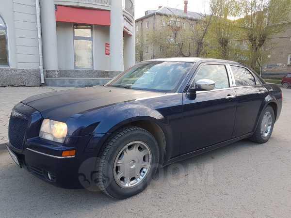 Chrysler 300C, 2004 год, 595 000 руб.