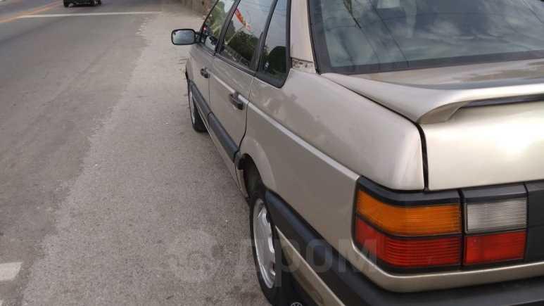 Volkswagen Passat, 1988 год, 90 000 руб.