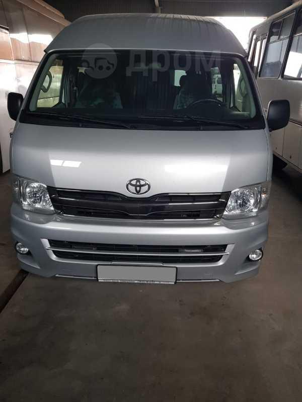 Toyota Hiace, 2013 год, 2 000 000 руб.