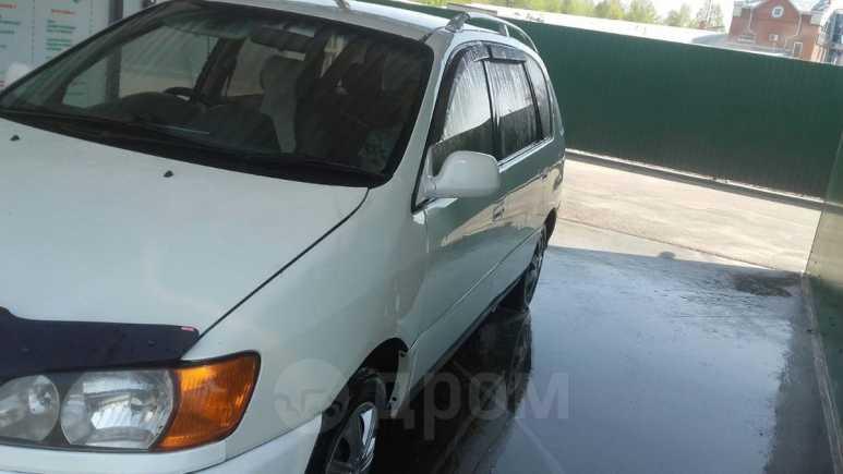 Toyota Ipsum, 2000 год, 317 000 руб.