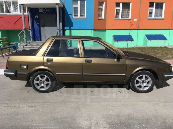 Nissan Liberta Villa, 1985 год, 65 000 руб.