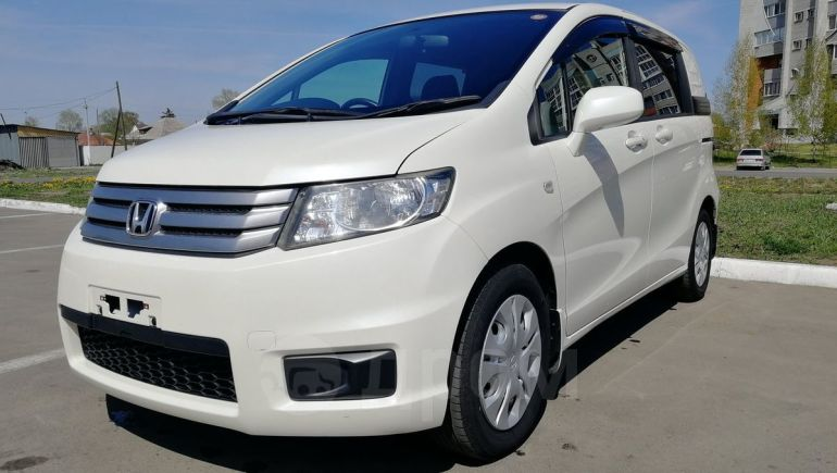 Honda Freed Spike, 2010 год, 676 000 руб.