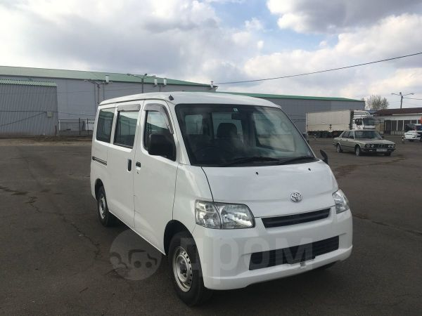 Toyota Town Ace, 2013 год, 689 000 руб.