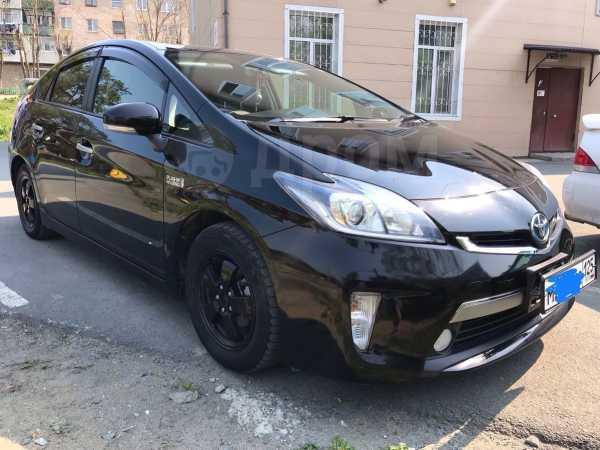 Toyota Prius PHV, 2012 год, 945 000 руб.