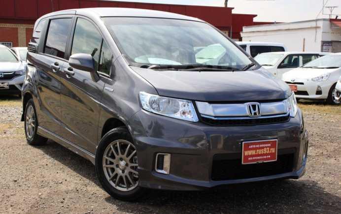 Honda Freed Spike, 2015 год, 875 000 руб.