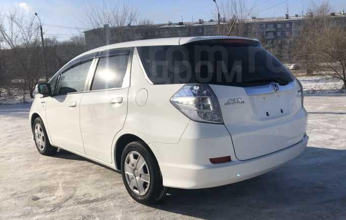 Honda Fit Shuttle, 2013 год, 615 000 руб.
