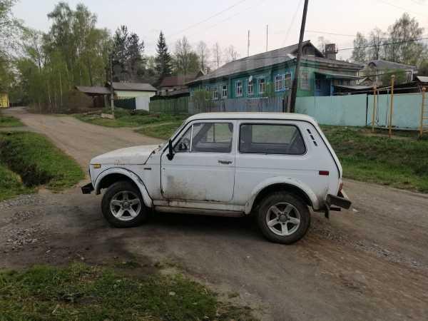 Лада 4x4 2121 Нива, 1980 год, 50 000 руб.