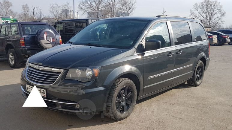 Chrysler Town&Country, 2011 год, 1 115 000 руб.