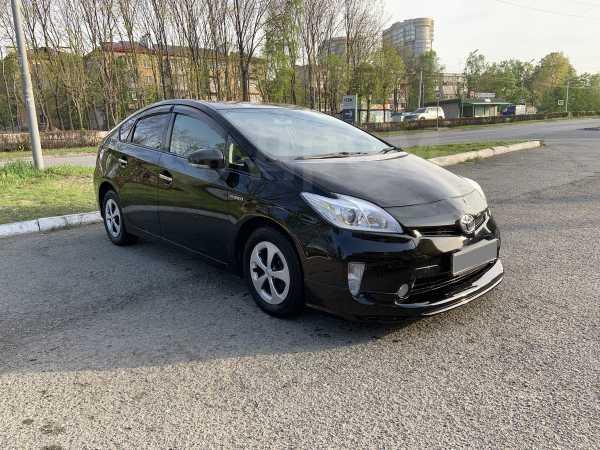 Toyota Prius, 2013 год, 685 000 руб.