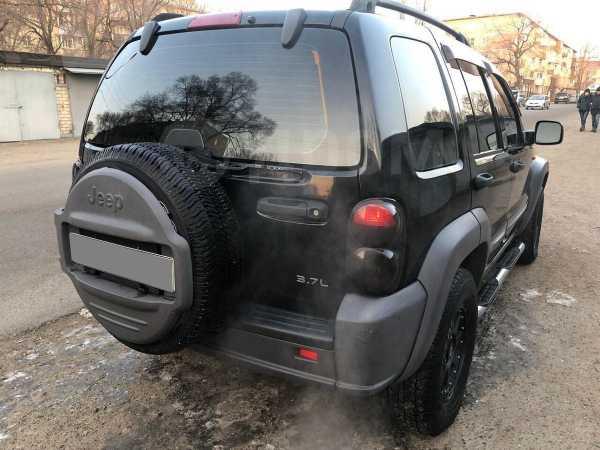 Jeep Liberty, 2004 год, 385 000 руб.