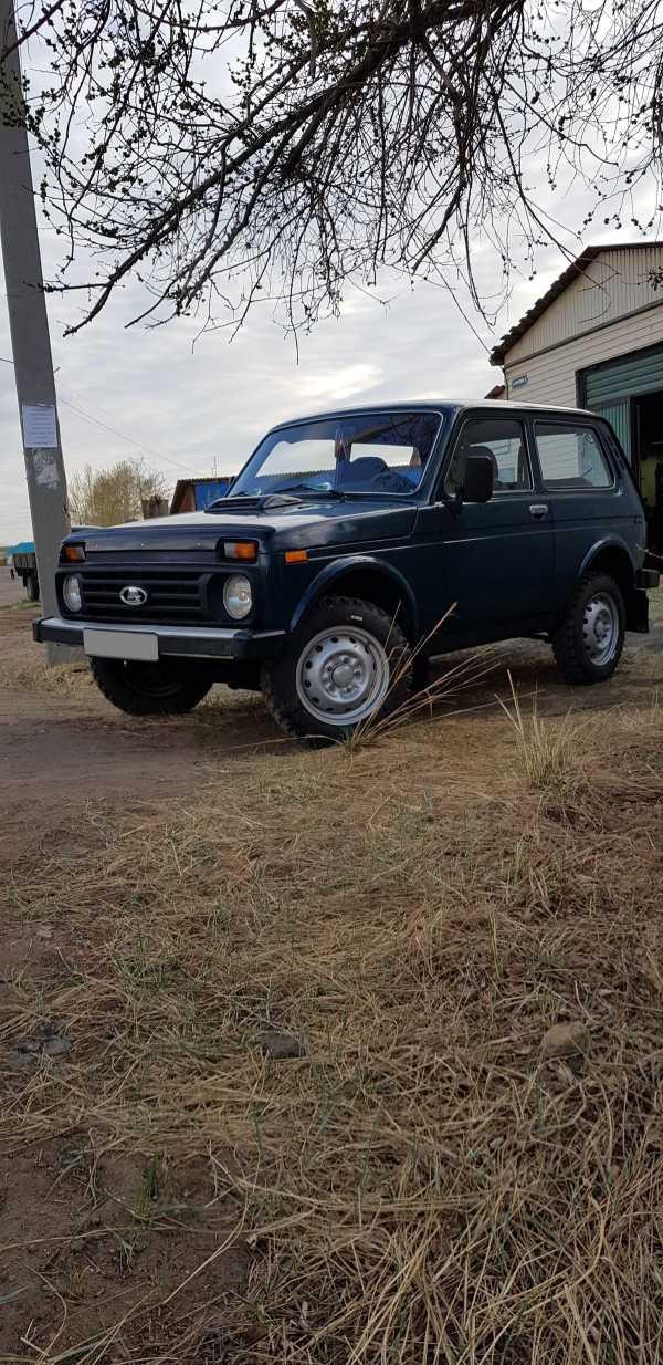Лада 4x4 2121 Нива, 1999 год, 179 000 руб.