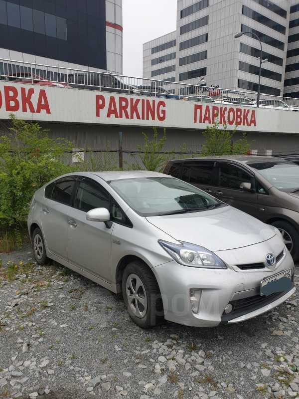 Toyota Prius PHV, 2013 год, 765 000 руб.