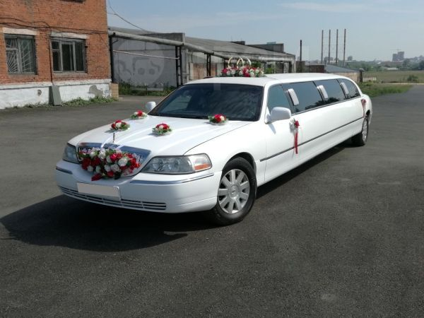 Lincoln Town Car, 2003 год, 520 000 руб.