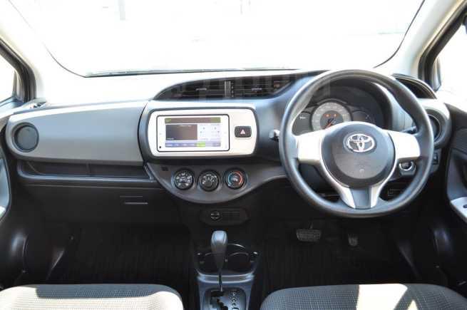 Toyota Vitz, 2015 год, 549 000 руб.