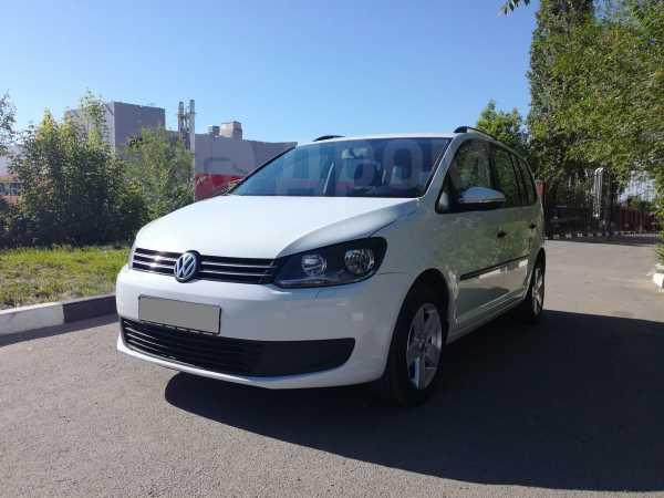 Volkswagen Touran, 2014 год, 580 000 руб.