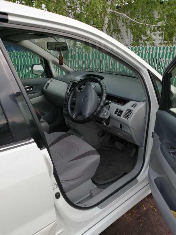 Toyota Nadia, 2000 год, 490 000 руб.