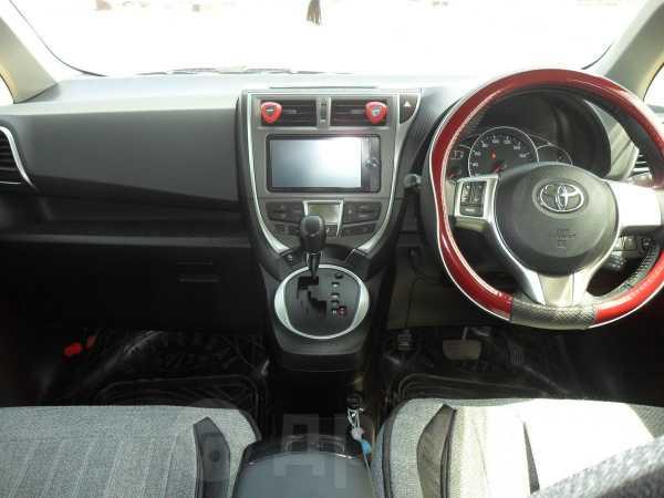Toyota Ractis, 2013 год, 570 000 руб.